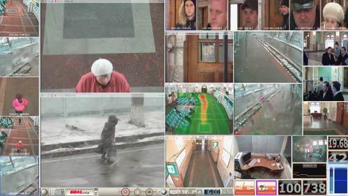 videoanalitica_zapis_s_dvyh_dom_kamer В ролик включили запись с двух дом-камер: одна внутри зала, другая на улице - перроне. Вторая призвана подчеркнуть особенности уличного видеонаблюдения, где значительно больше помех и требуется особенно умная программа для выявления полезных целей