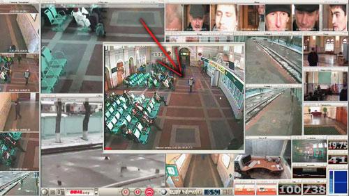 videoanalitica_nechaev2_slegenie2 не отключая своего внимания от основного видеонаблюдения, с помощью спецлабовской панели мы легко отслеживаем все ключевые моменты действий этого человека